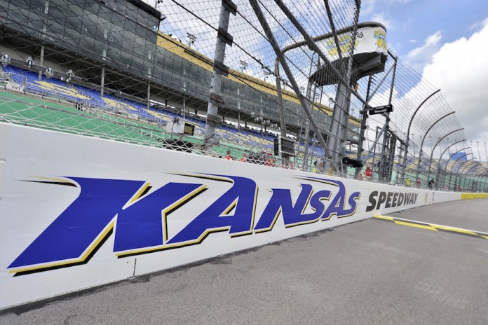 Blaney takes Kansas pole as 11 fail to pass inspection