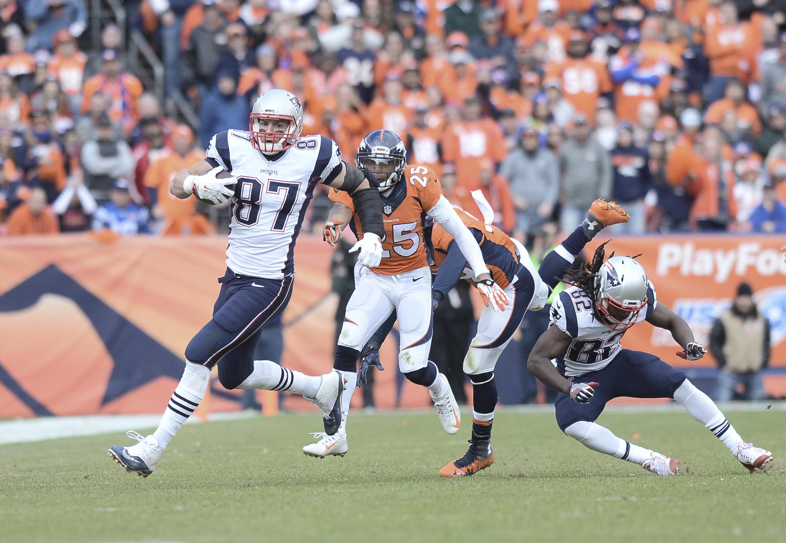 the latest 12119 29771 Karl Mecklenburg dishes on Broncos' glaring defensive ...