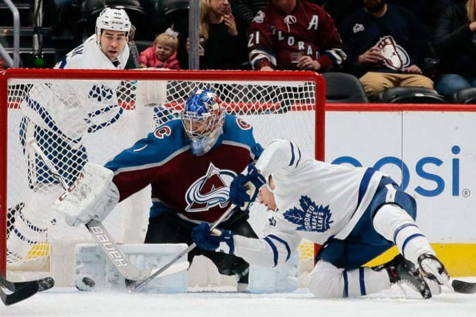 82579b3b940 Semyon Varlamov s 2.94 goals-against average is 33rd among the 47 qualified  NHL goaltenders. His .909 save percentage is 28th.