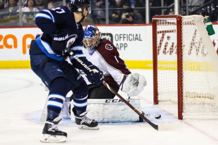 Hellebuyck gets 5th shutout, Jets beat Avalanche 3-0