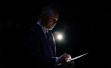 Denver Nuggets head coach Michael Malone before the game against the Houston Rockets at the Pepsi Center