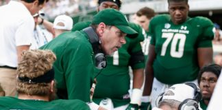 Mike Bobo coaching his team up. Credit: Isaiah J. Downing, USA TODAY Sports.