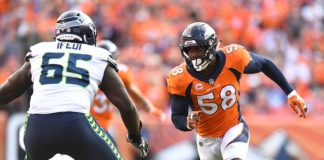 Von Miller rushes. Credit: Kirby Lee, USA TODAY Sports.