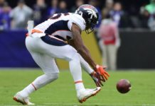 Chris Harris picks up the blocked field goal. Credit: Tommy Gilligan, USA TODAY Sports.