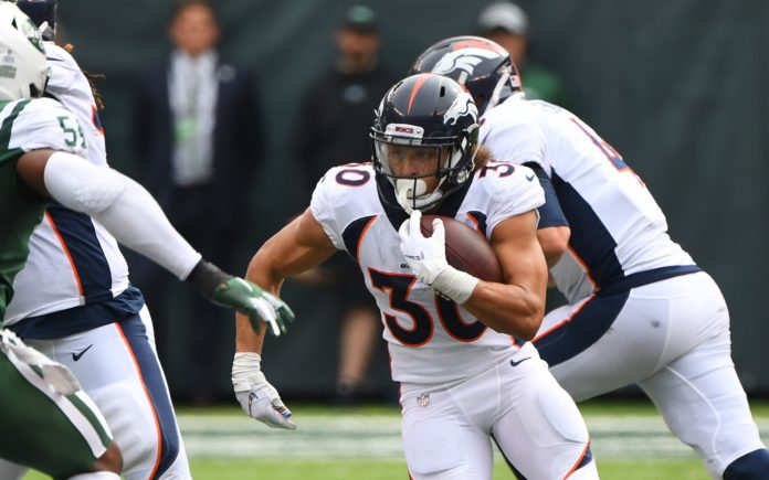 Phillip Lindsay runs. Credit: Robert Deutsch, USA TODAY Sports.