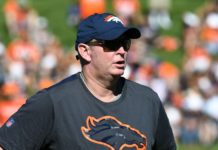 Bill Musgrave in training camp. Credit: Ron Chenoy, USA TODAY Sports.