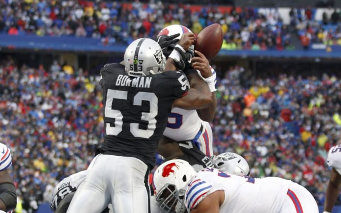 NaVorro Bowman in 2017 with the Raiders. Credit: Timothy T. Ludwig, USA TODAY Sports.