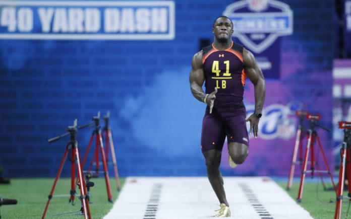 Devin White, running his 4.42 40-yard dash. Credit: Brian Spurlock, USA TODAY Sports.