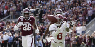 Alabama wide receiver DeVonta Smith (6) misses a pass from quarterback Tua Tagovailoa in the first quarter against Texas A&M at Kyle Field.