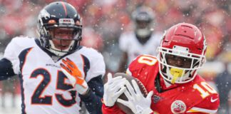 Tyreek Hill's touchdown early over Chris Harris. Credit: Jay Biggerstaff, USA TODAY Sports