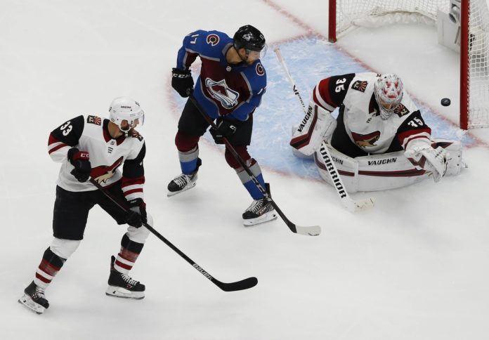 Avalanche rout Coyotes behind two goals from Kadri