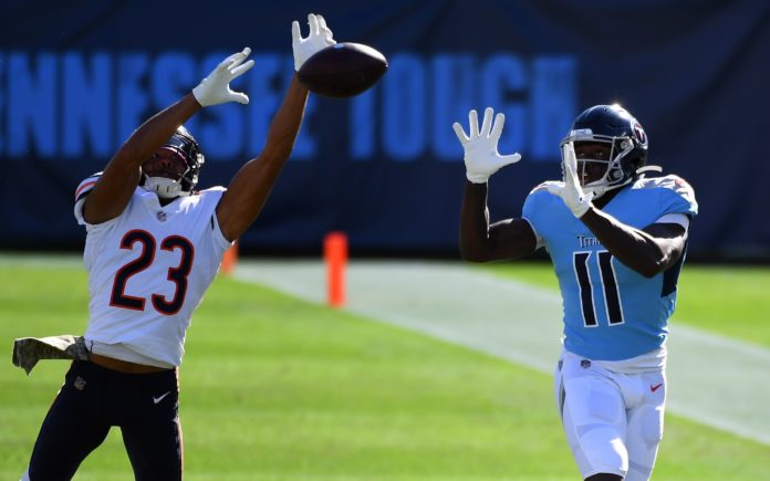 Kyle Fuller breaks up a pass in 2020. Credit: Christopher Hanewinckel, USA TODAY Sports.