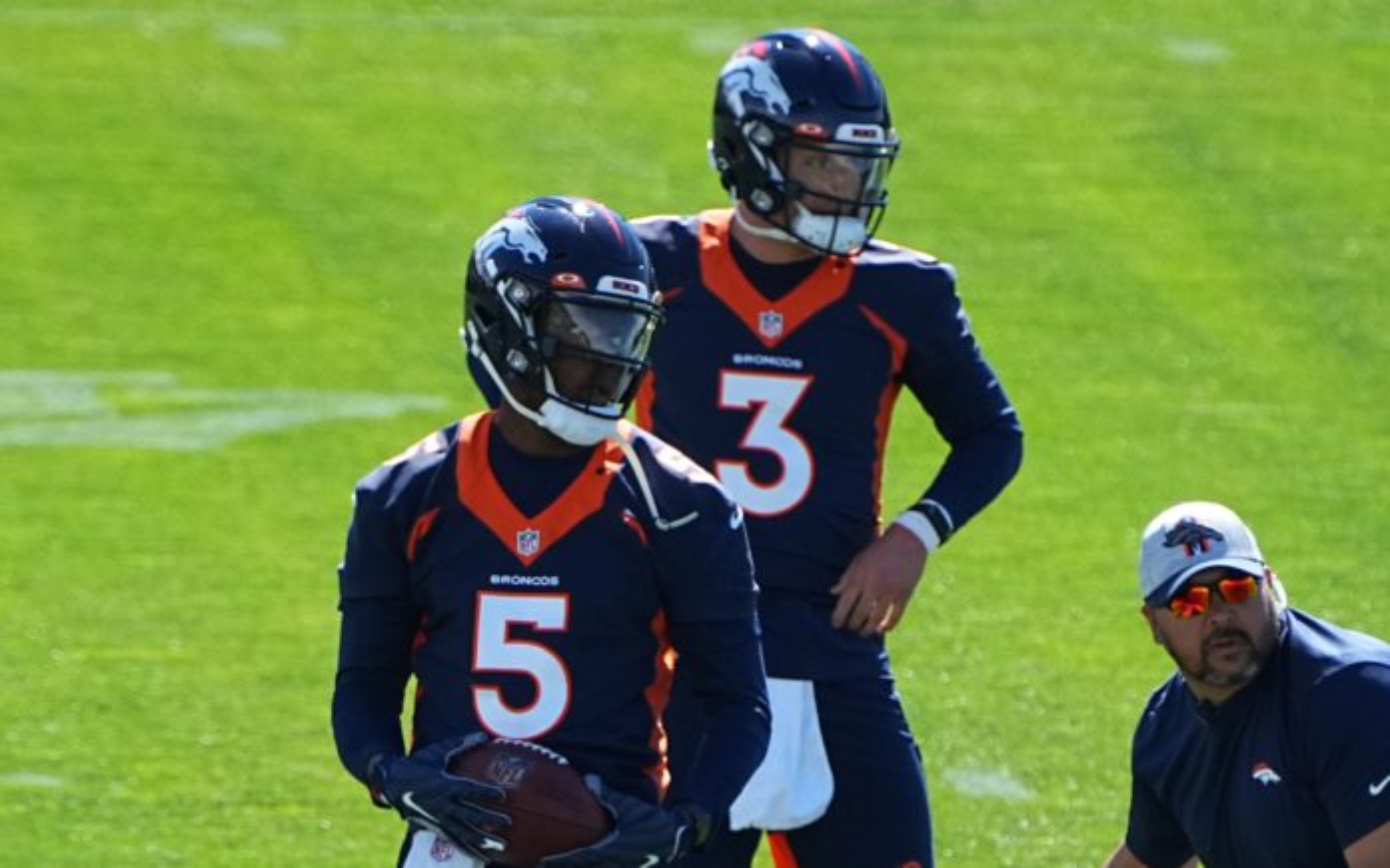 Drew Lock and Teddy Bridgewater at Broncos OTAs. Credit: Ron Chenoy, USA TODAY Sports.